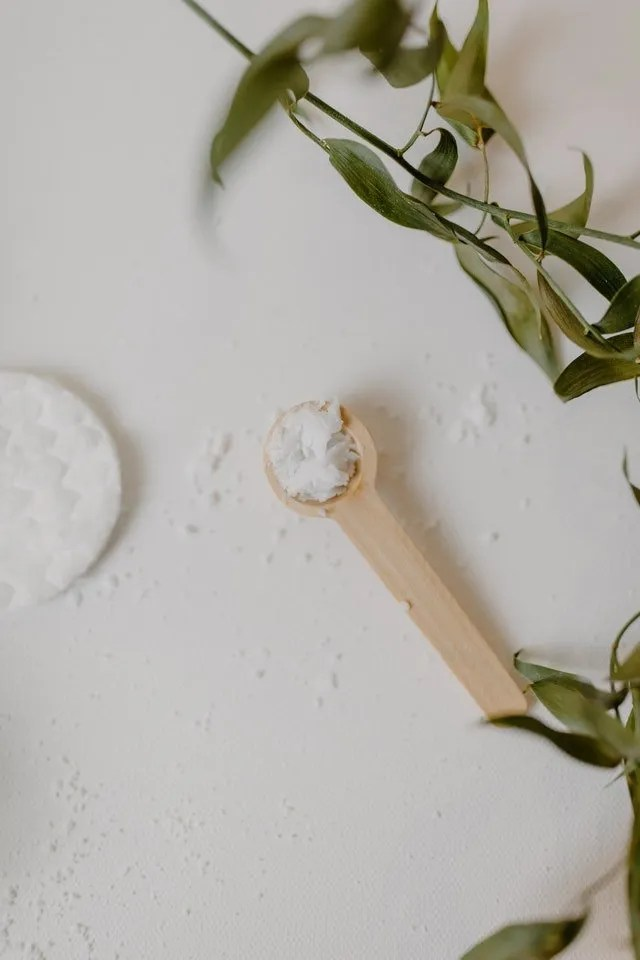 How To Use Coconut Oil For Beauty