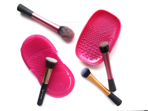 Real Techniques vs Sigma Makeup Cleansing Systems (2)