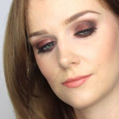 New Year's Makeup – smoky eyes with glitter