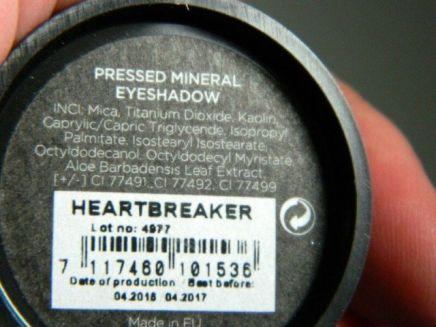 pressed-mineral-eyeshadow