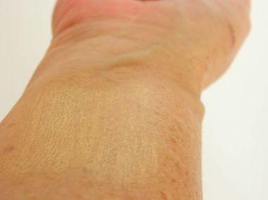 Lavera 8-in-1 Anti-Ageing Colour Correction Cream 1