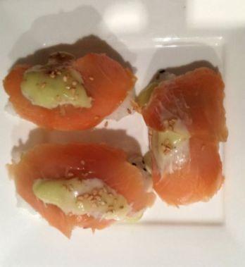 sushi zalm wasabi mayonaise