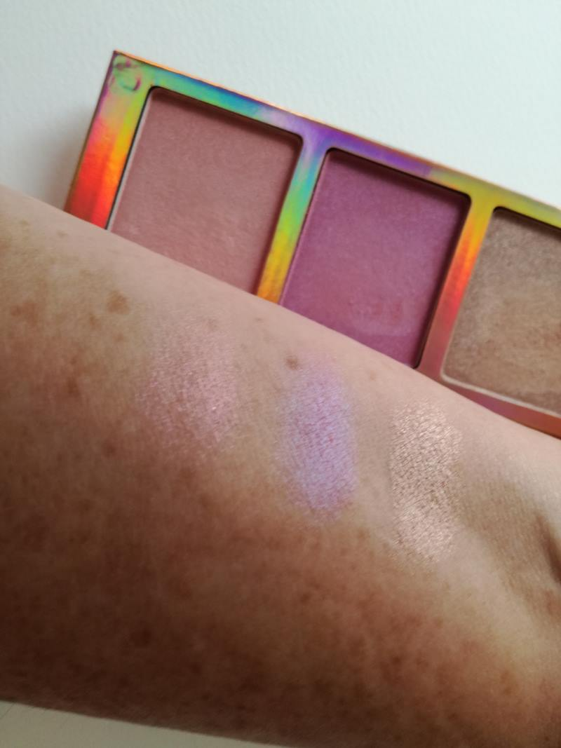 go for the glow highlighter palette
