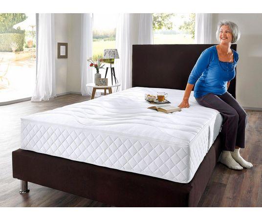 Ga je mee naar bed? Lekker luieren en slapen in de mooiste loungewear! 15 loungewear Ga je mee naar bed? Lekker luieren en slapen in de mooiste loungewear!