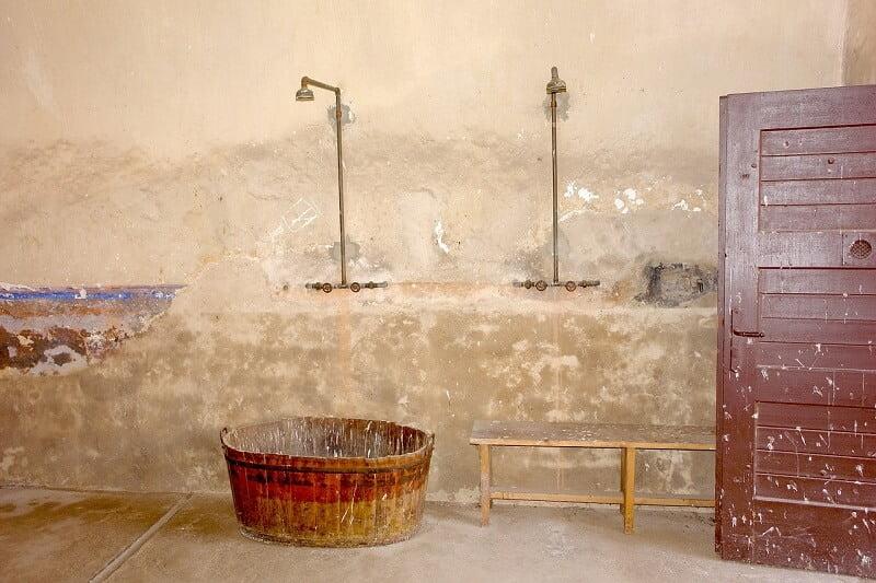 Is het wel verstandig om iedere dag te douchen in verband met ons afweersysteem? 15 douchen Is het wel verstandig om iedere dag te douchen in verband met ons afweersysteem?