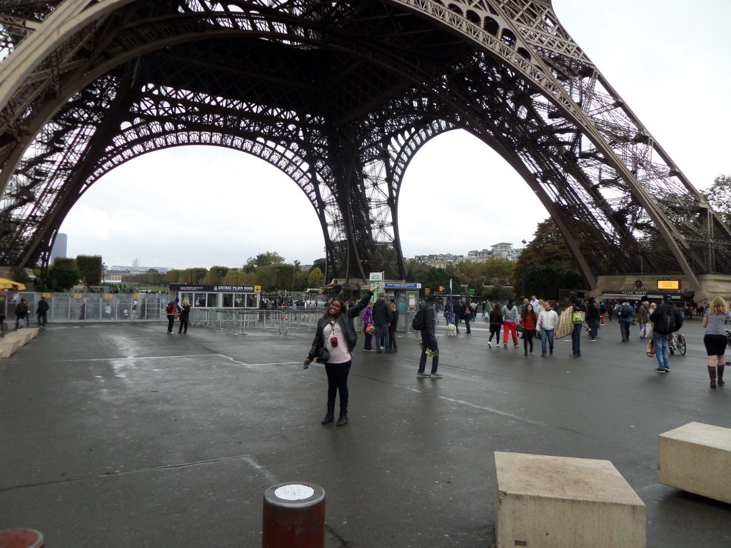 Underneath my love, L'Eiffel Tower. ♥