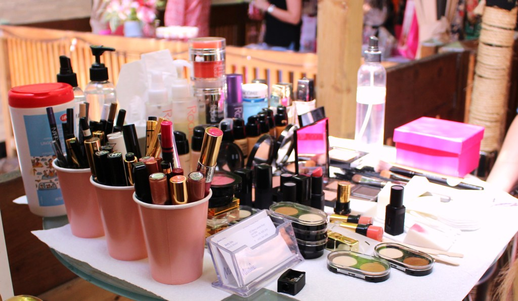Makeup station + pretty pink details = WIN.