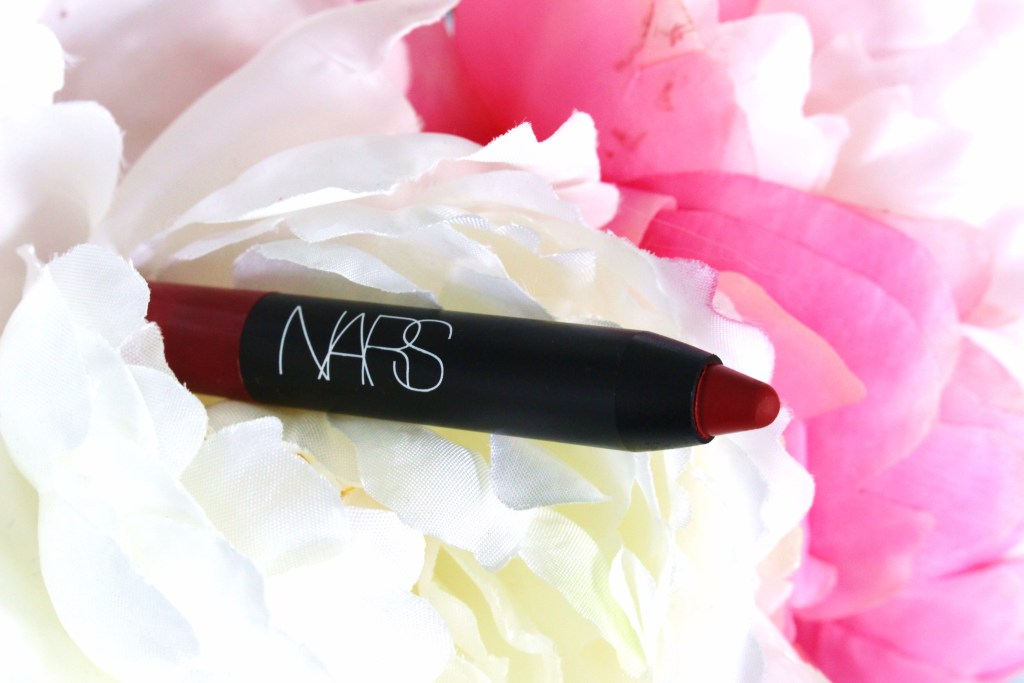 NARS Velvet Matte Lip Pencil in Cruella (don't you just love that name!? Respect to 101 Dalmations! 👊✊✌️)