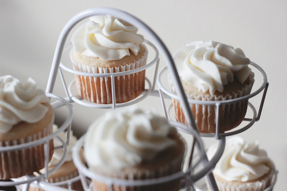 oatmeal-banana cupcakes