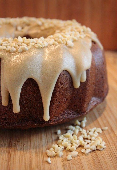 marshmallow-filled pound cake