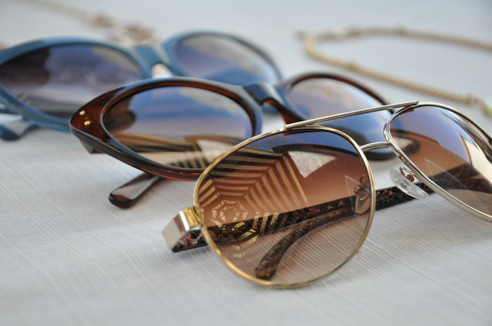 How to Pick Sunglasses for Your Face Shape Sunglasses