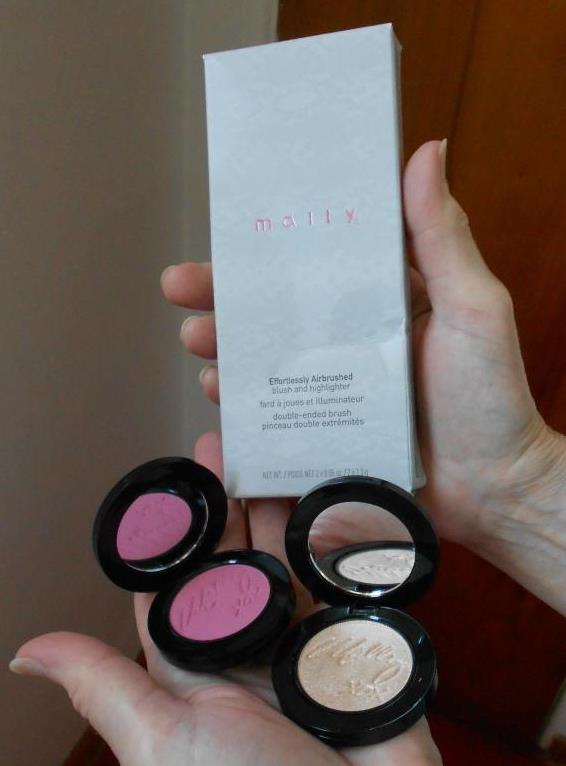 Effortlessly Airbrush blush and highlighter set