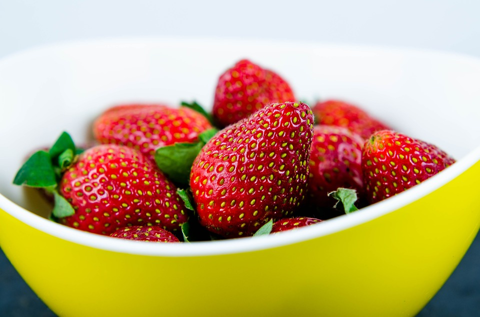 My DIY Illuminating Facial Mask Strawberries for the Glow