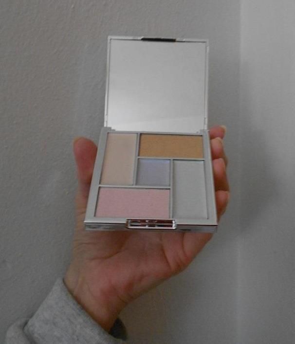 Glossybox January 2019 Sleek Makeup Palette