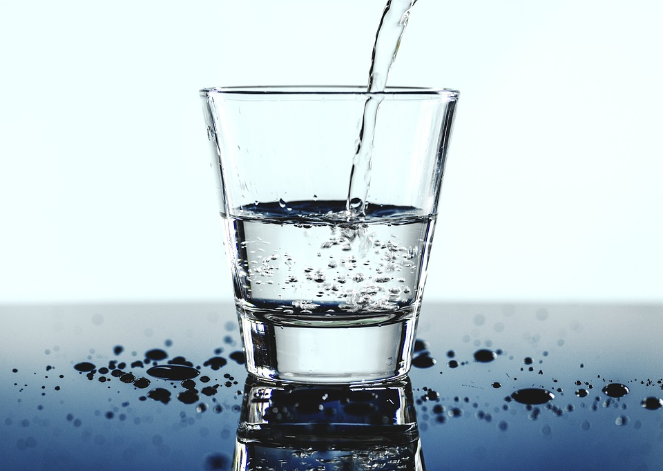 6 Healthy Habits to Adopt This New Year Water