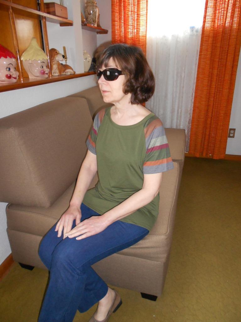 Affordable BUYCHEY Fashion Crew Neck Shirt sitting