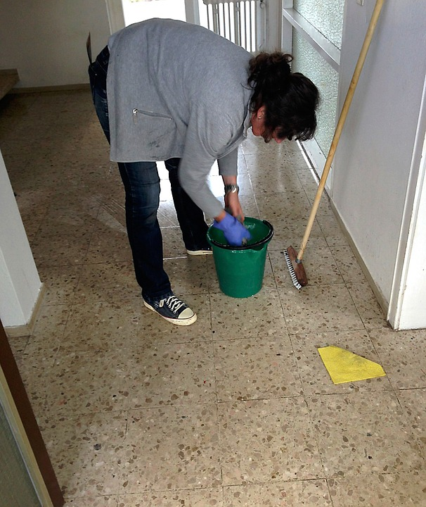 Cleaning Lady Cleaning House Tips That Save Time and Energy