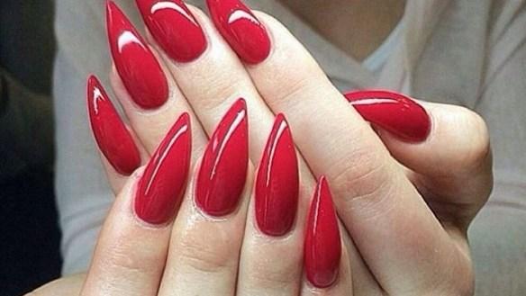 stiletto vermelho