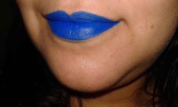 batom azul queen make up