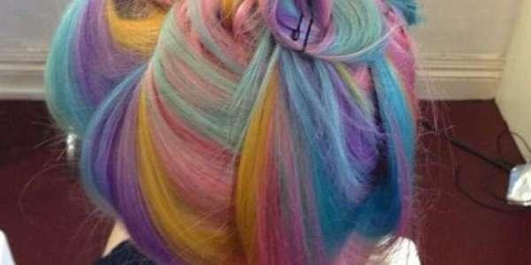 Cabelos coloridos prometem fazer sucesso no verão 2017