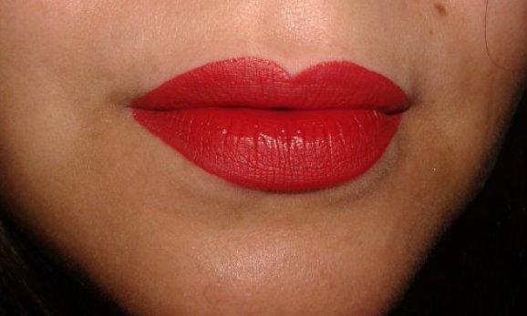 resenha-do-batom-vermelho-diva-eudora-600x300 Vermelho Diva e Nude Divino: Batons Matefix Diva da Eudora
