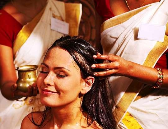 Umectação para os cabelos com óleo vegetal