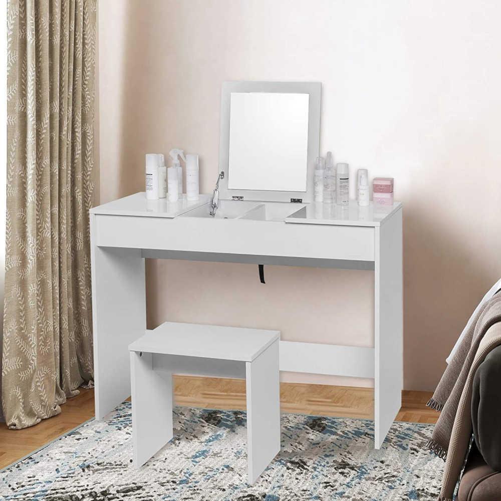 Da toletta moderno con gran specchio e sgabello scrivania per trucco con. Postazione Trucco E Specchiere Make Up Le Piu Belle