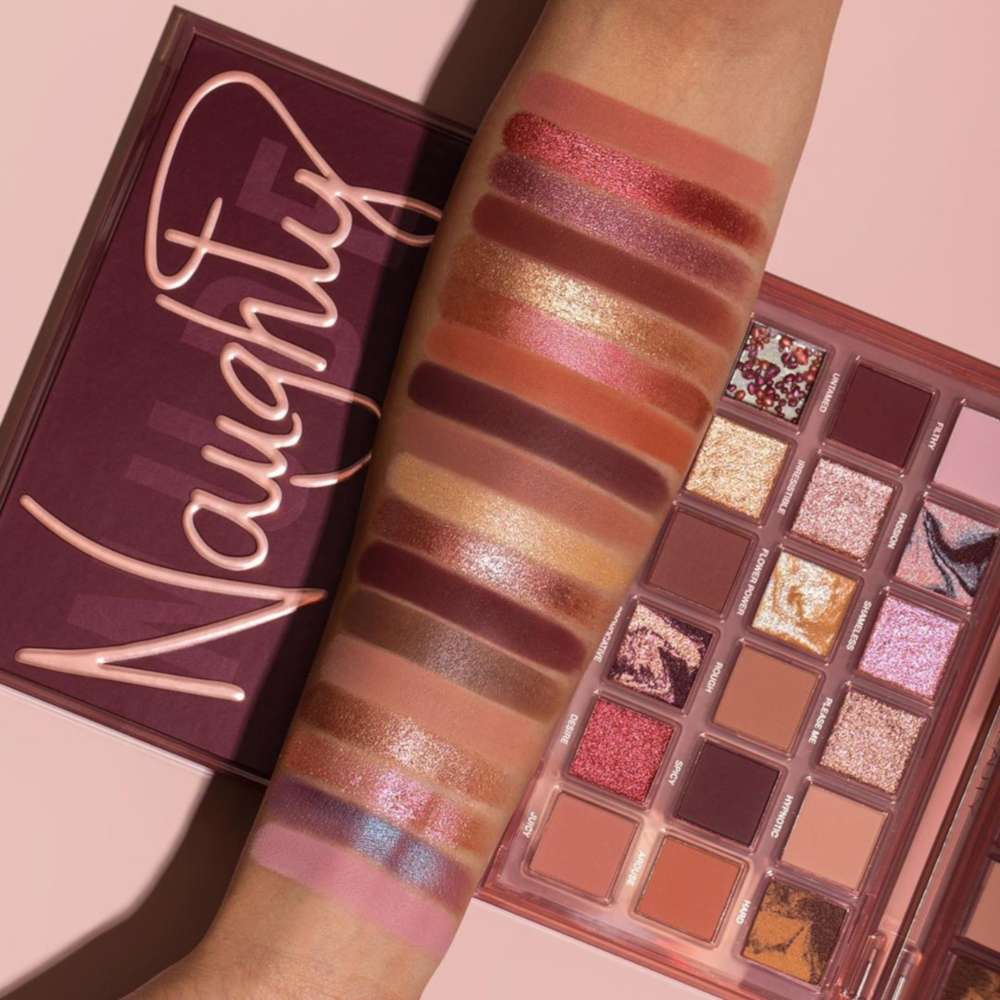 Swatches palette occhi Huda Beauty