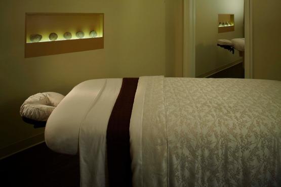 A sala de massagem padrão:  para se jogar na maca e não querer sair mais!