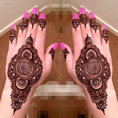 beautiful designed mehndi