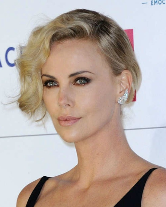 Charlize Theron Side Parted Short wavy Haircut