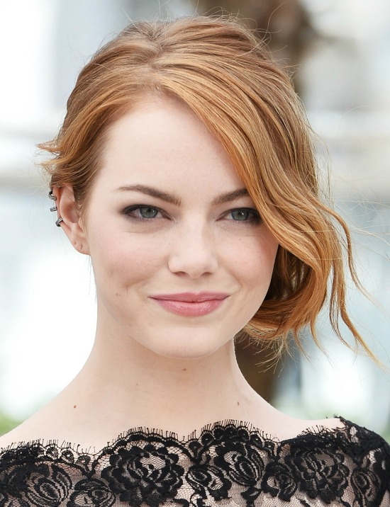 Emma Stone Side Chignon Wavy Hair