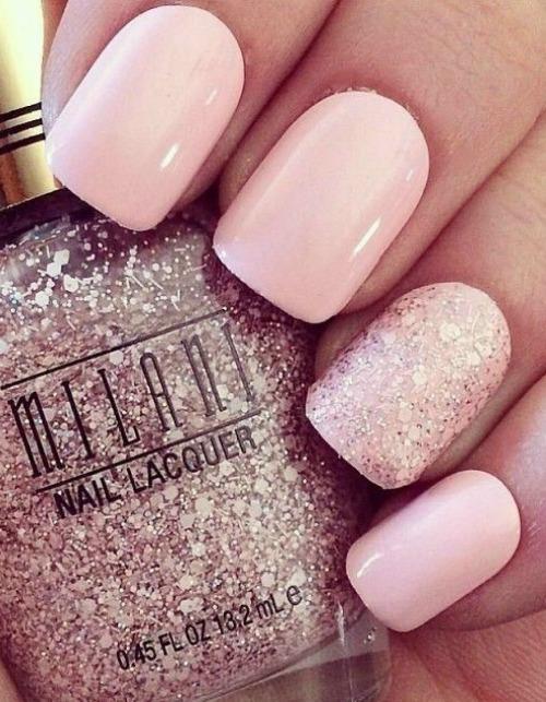 Gold Sparkle Nail Design