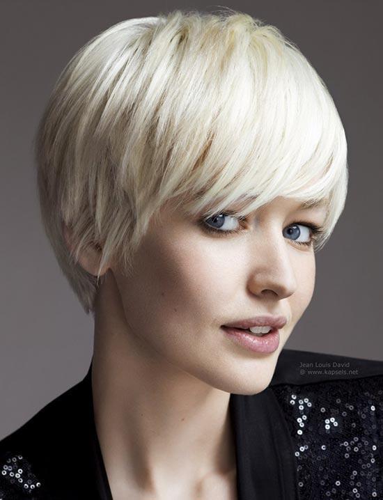 Stilvollen Kurze Short Haircuts with Bangs