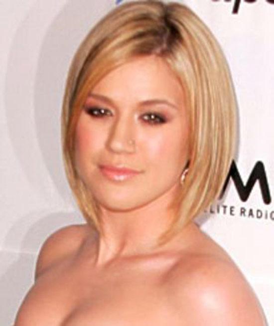 Kelly Clarkson Medium Length Hairstyle