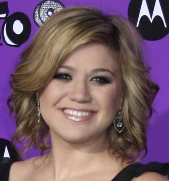 Kelly Clarkson Short Hairstyles