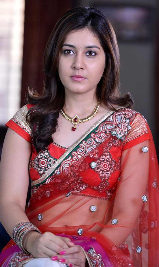 Rashi-Khanna-In-Red-Net-Saree