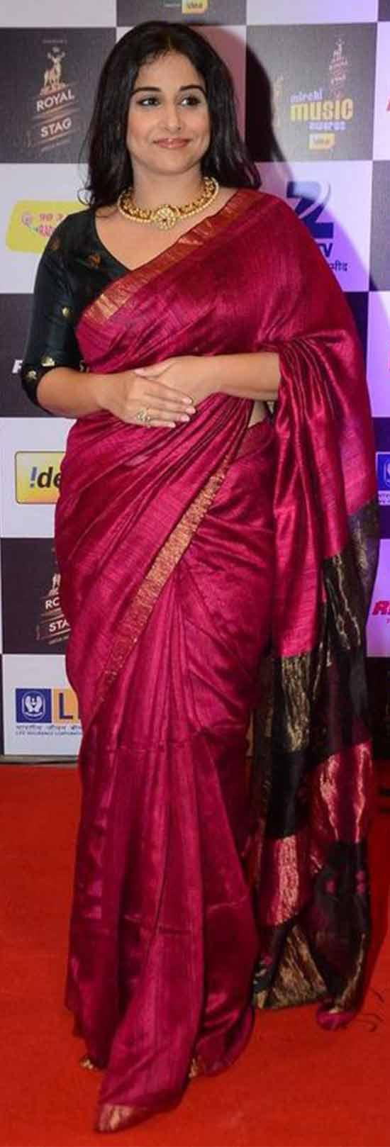 Vidya-Balan-Latest-Hot-Spicy-Traditional-Pink-Saree
