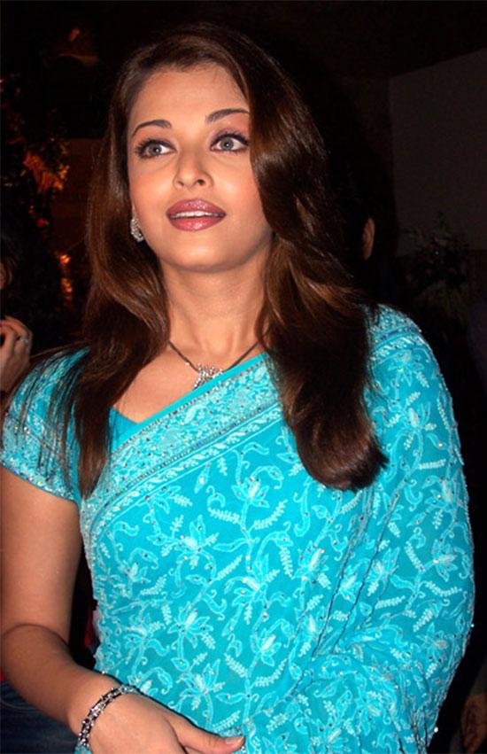 aishwarya-rai-in Blue saree
