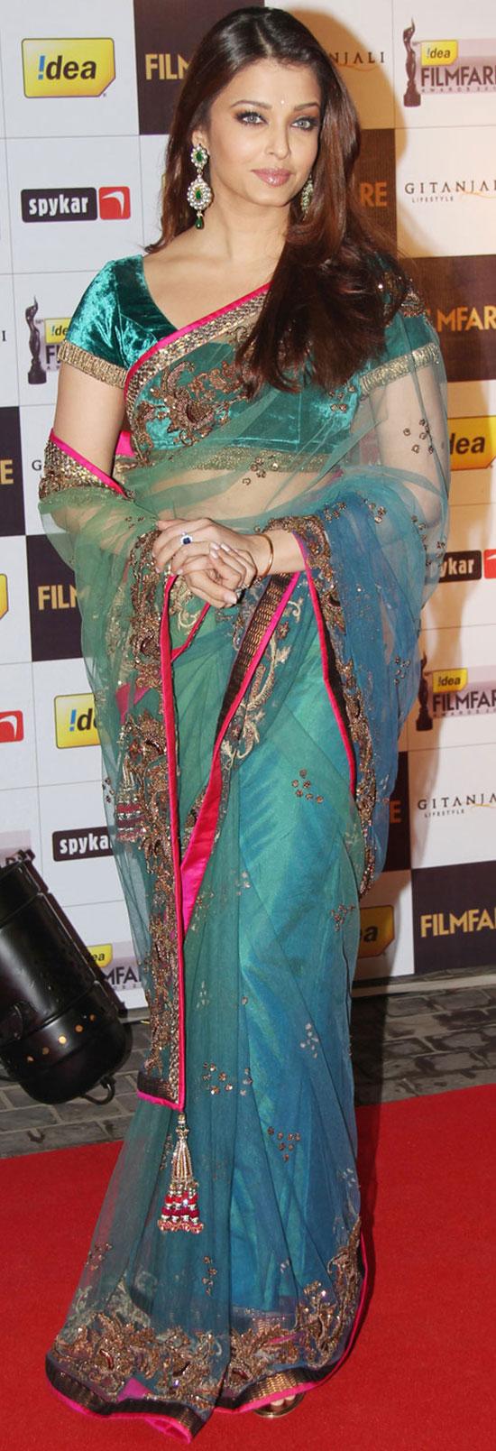 aishwarya-rai-in Blue with black border saree