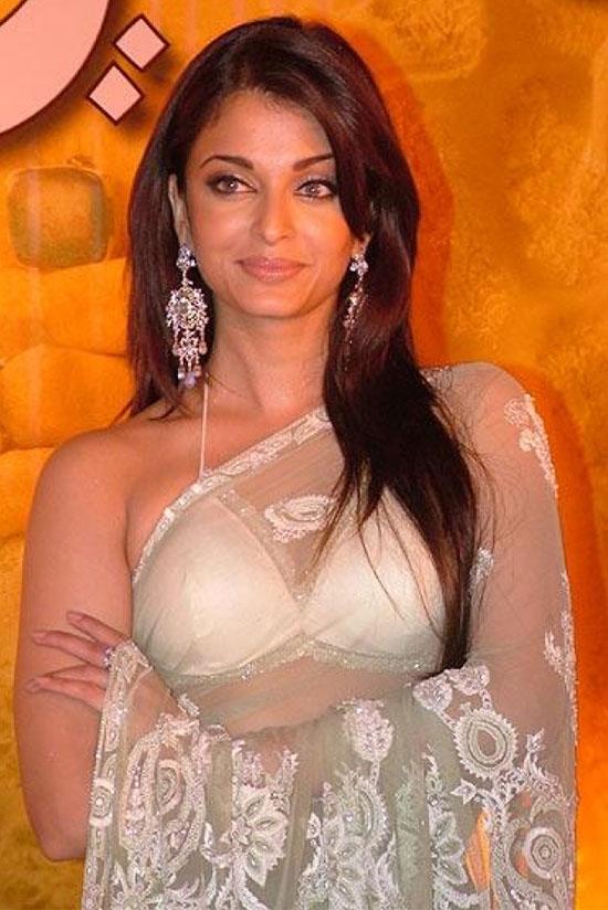 aishwarya-rai-in blue transparent saree