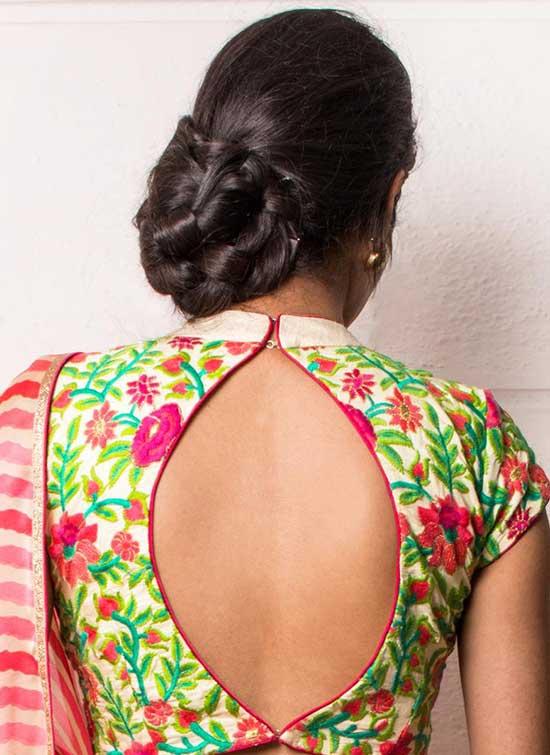 flowers-back-hook-blouse-design