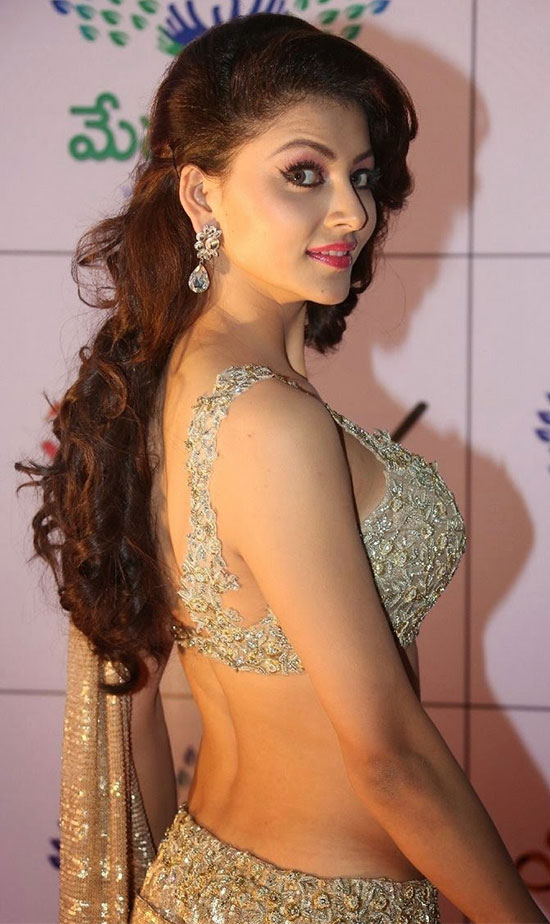 Urvashi Rautela In Silver And Gold Saree