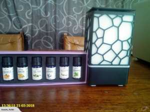 Cube Aromatherapy Diffuser + 6 Oils Gift Pack