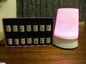 Lamp Aromatherapy Diffuser + 14 Oils Gift Pack