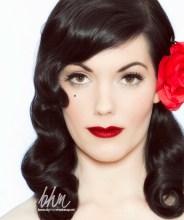 Make up und Haarstyling im Pinup Stil