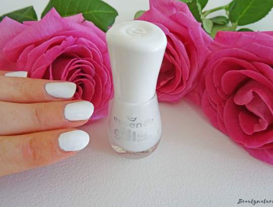 Essence the gel nailpolish - wild white ways