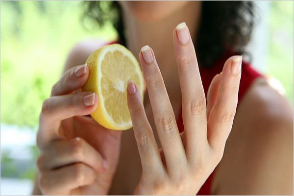 Lemon treatment for nails