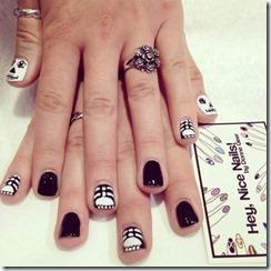 Halloween manicure 13