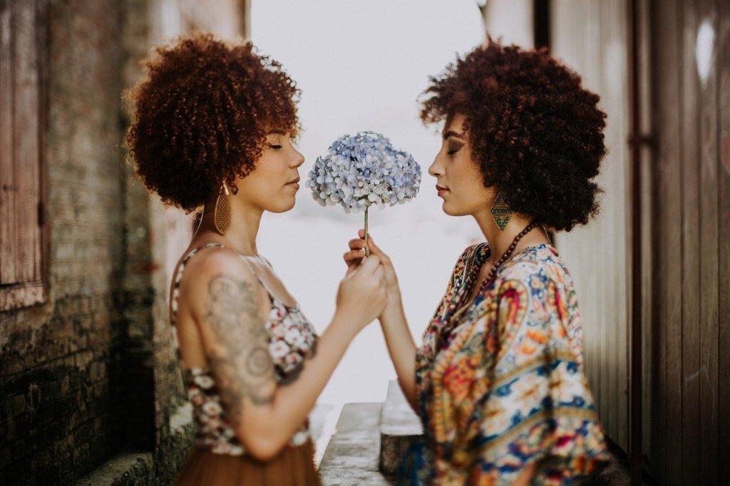 Friends, beauty tricks
